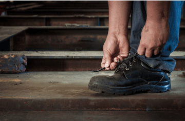 11 maintenance tips to keep your work shoes in good shape